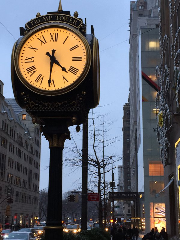 4.30 pm, Fifth Avenue thumbnail