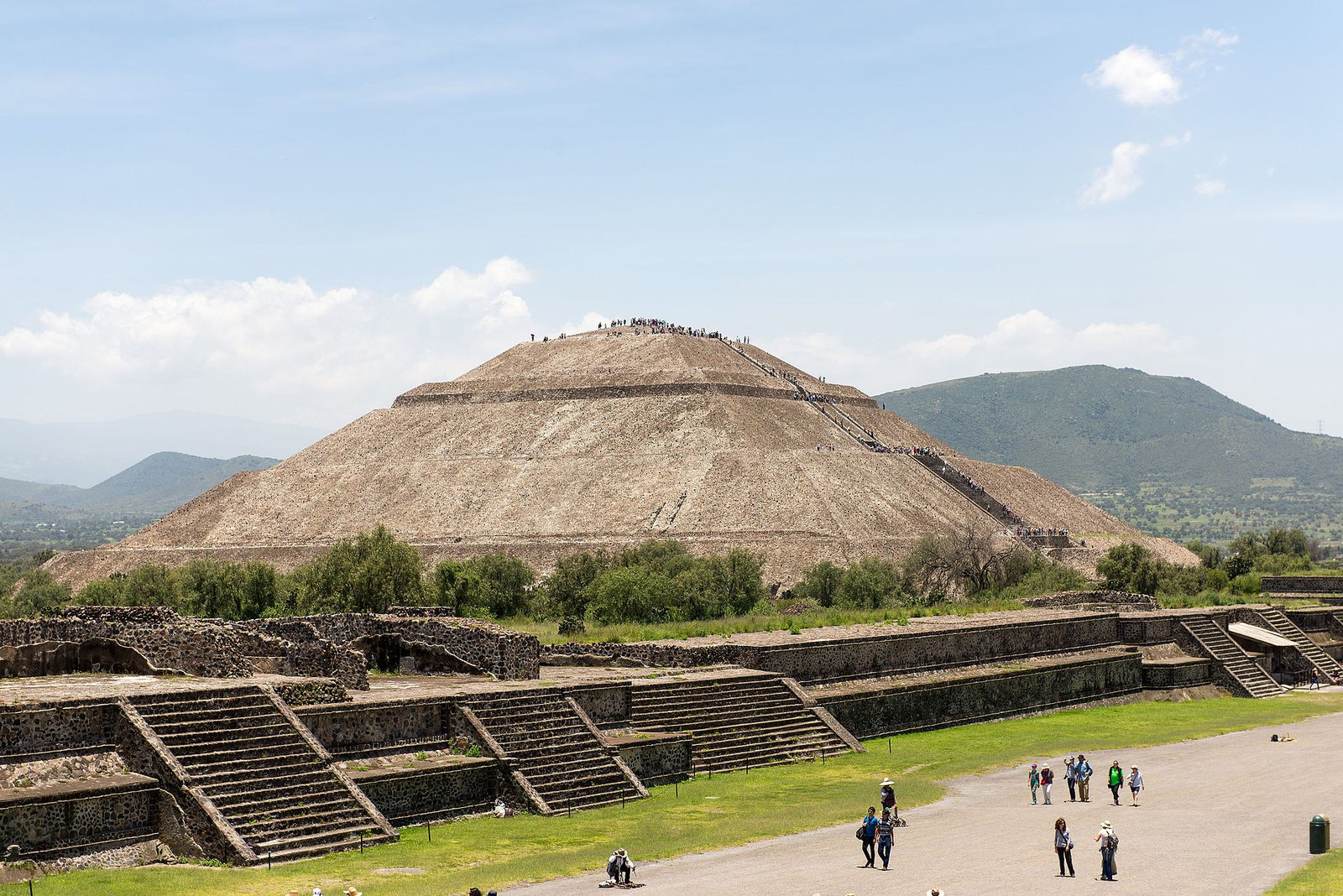 Mexico's Ancient Inhabitants Moved Land and Bent Rivers to Build Teotihuacán