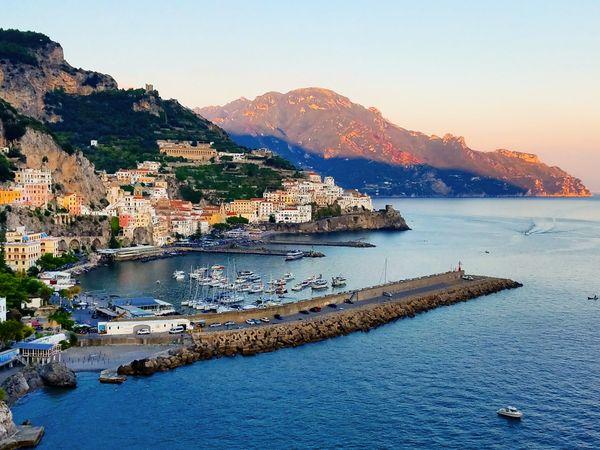 Sunset in Amalfi (Italy) thumbnail