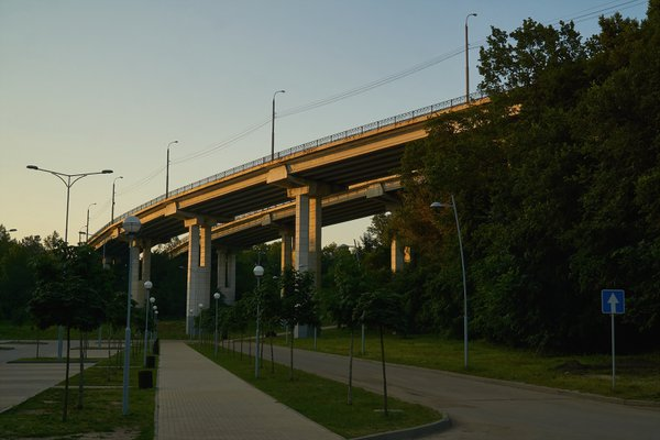 Highway to the North Bridge in Voronezh at sunrise thumbnail