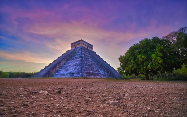 Sunrise in Chicen Itza thumbnail