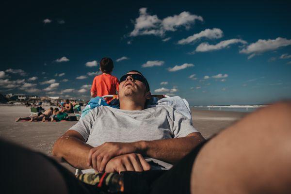 Ocean puts dad to sleep thumbnail