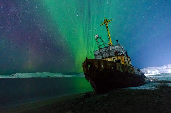 Northern lights and wrecked ship thumbnail