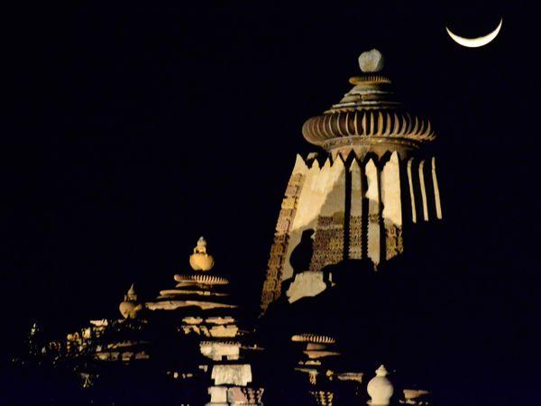 Khajuraho by moonlight thumbnail