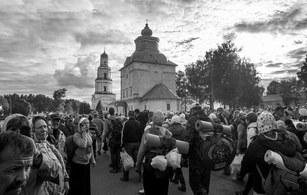 Finishing  3 -dat  Christian Procession in Russia  near  Kirov thumbnail