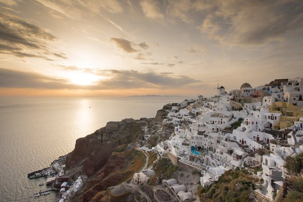 Oia at Sunset thumbnail