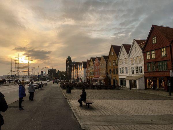 Bryggen sunset thumbnail
