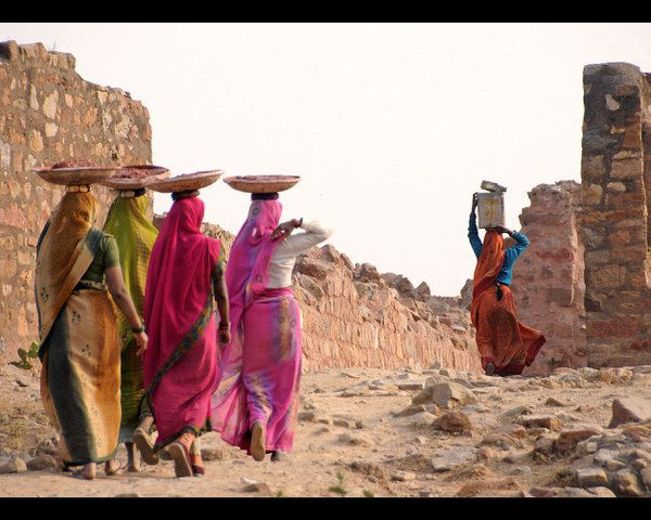a group of women working as bricklayers outside Delhi thumbnail