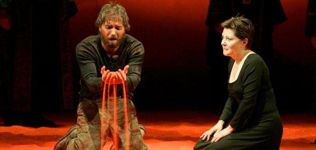 Erin Gann as Xerxes and Helen Carey as Atossa
