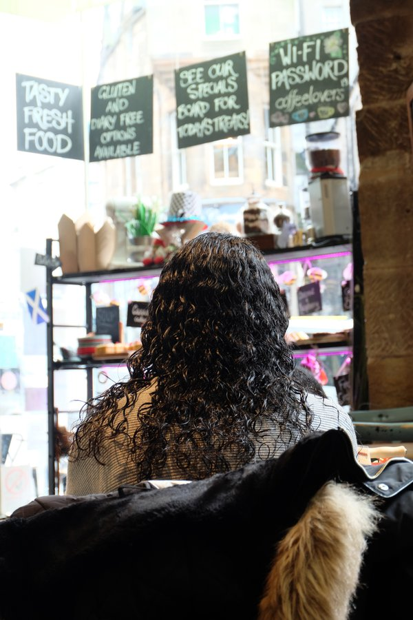 Portrait from behind in a Cafe thumbnail