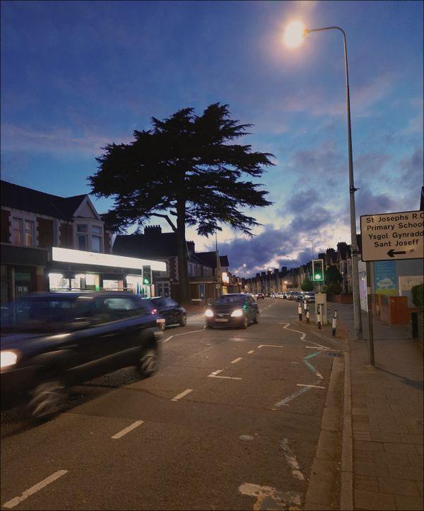 Late evening Whitchurch Road trafic @ 9.40 pm - Camera: Samsung Galaxy M31 thumbnail
