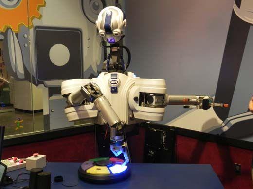 20110520110725Robbie-the-Robot-085.jpg