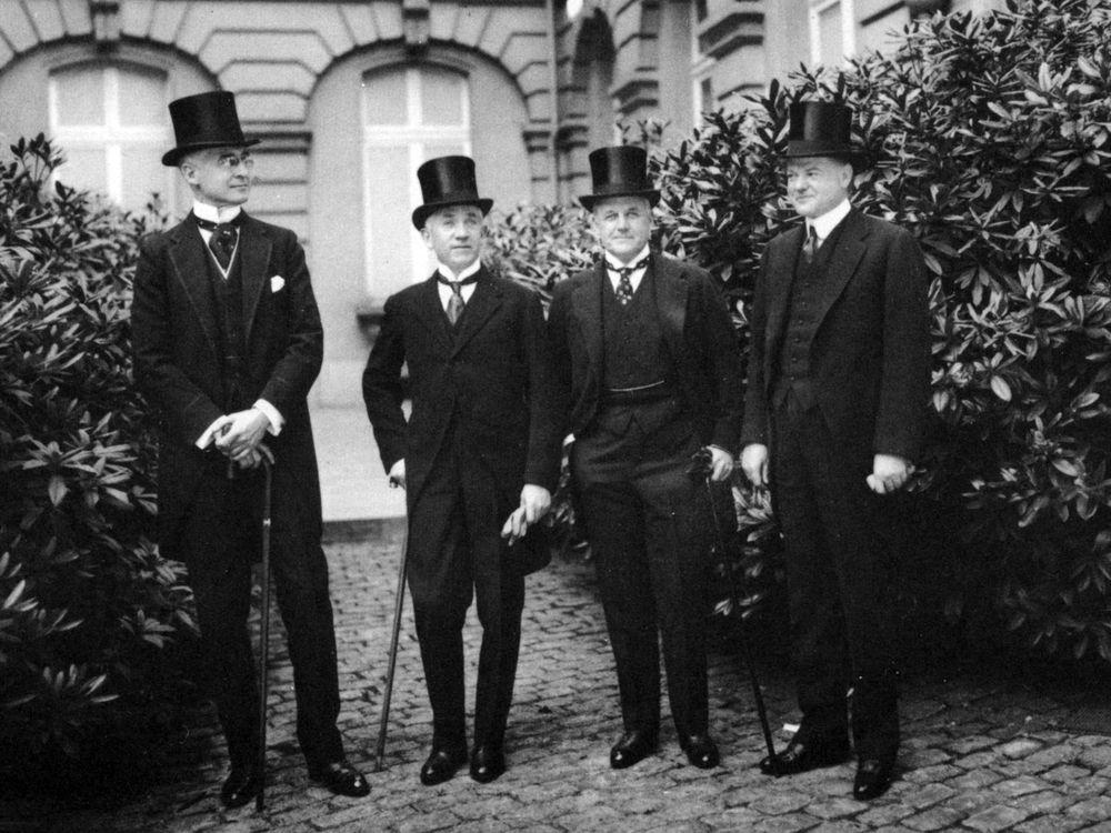 Bernard Baruch, Norman H. Davis, Vance McCormick, Herbert Hoover