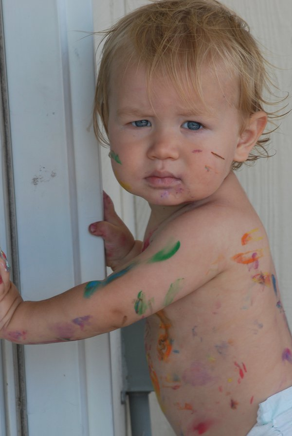 Toddlers love to finger paint. thumbnail