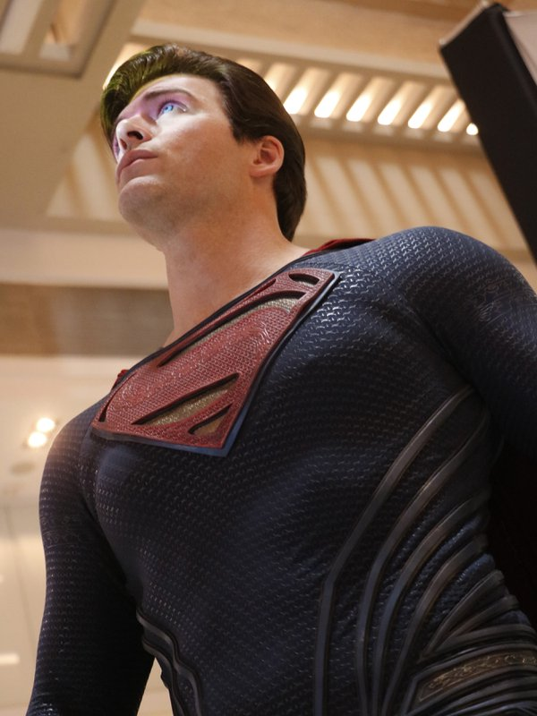Superman looks to the skies thumbnail