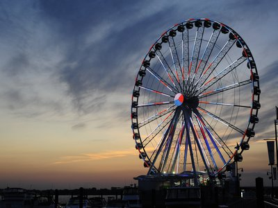 The Capital Wheel has 1.6 million programmable LED lights.