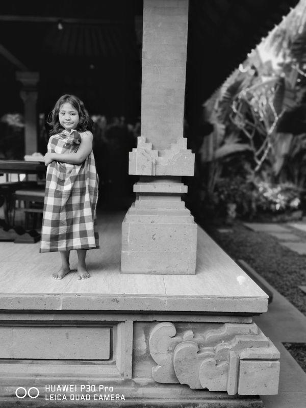 Another Balinese Girl thumbnail