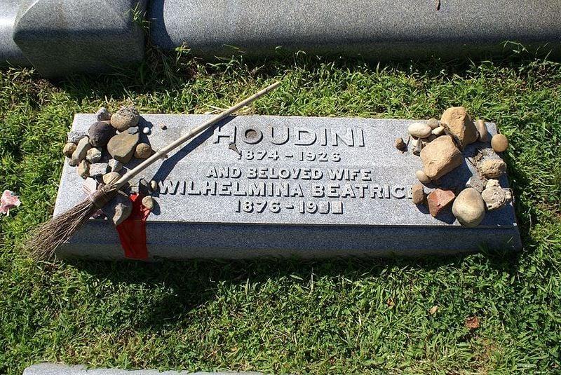 Houdini Grave