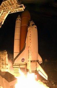 20110520110739NASA-Space-Shuttle-Discovery-196x3001.jpg