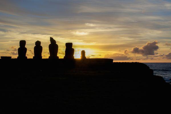 Moai Sunset thumbnail