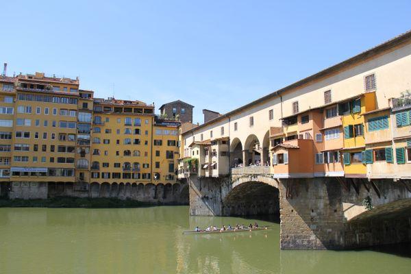 Rowers Passing under Ponte Vecchio  thumbnail