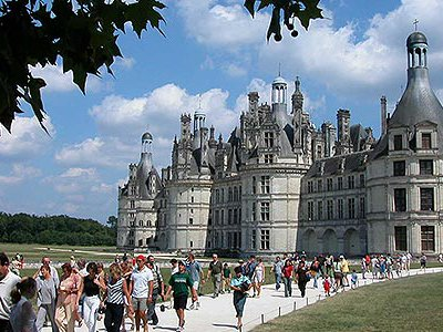Château de Chambord has 440 rooms and a fireplace for every day of the year.