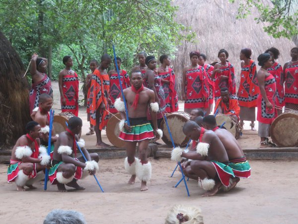 Swazi singers and dancers thumbnail