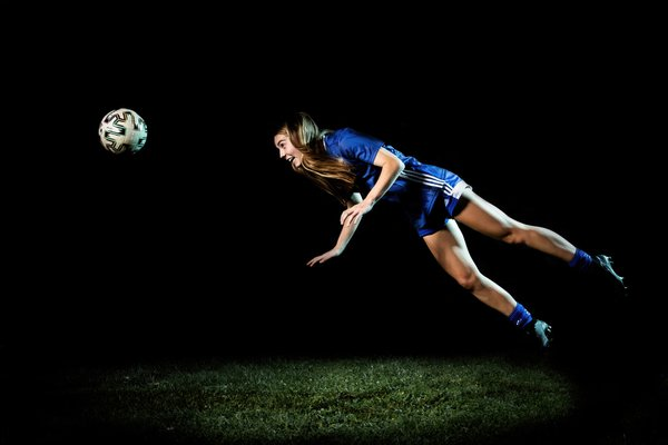A photoshoot with a high school soccer player thumbnail
