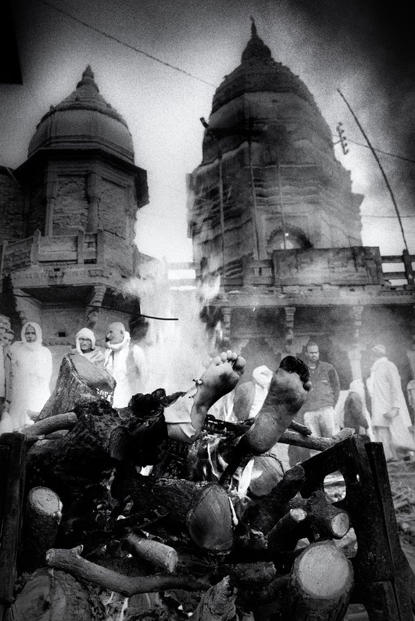 Manikarnika ghat. Varanasi, 2018. thumbnail