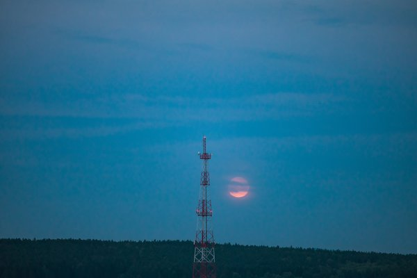 The moon and the communication tower. thumbnail