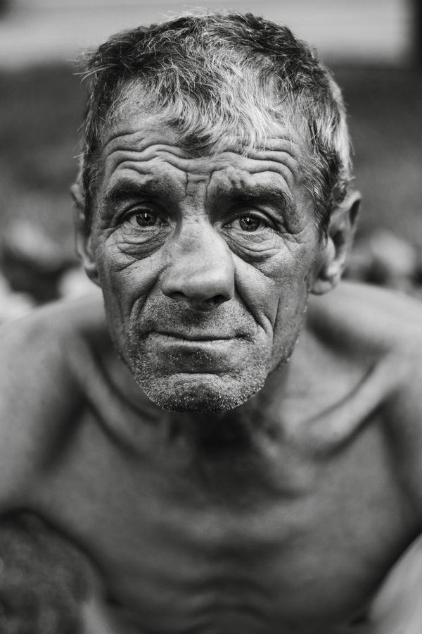 Dariusz -  The Homeless Soldier thumbnail