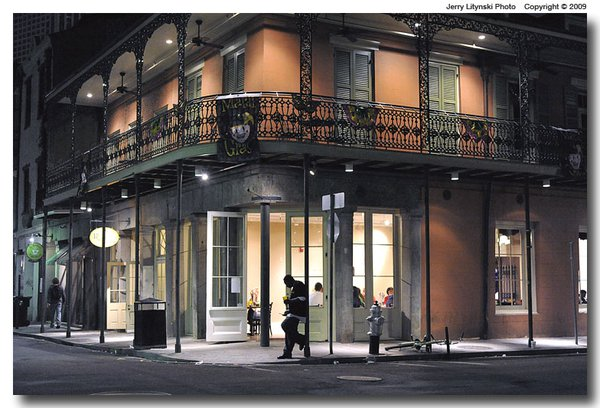 Night-time in the French Quarter thumbnail