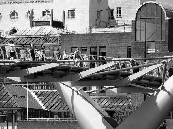 Millennium Bridge (Detail) London thumbnail