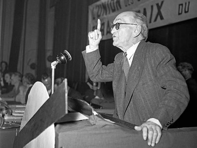 Paul Rivet addresses a congress of the French Socialist  Party on July 2, 1948.
