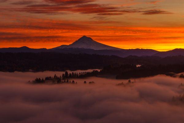 Mt. Hood at sunrise from Jonsrud viewpoint thumbnail