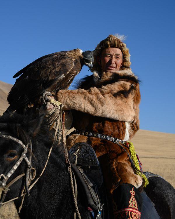 Eagle Hunter on the Road thumbnail