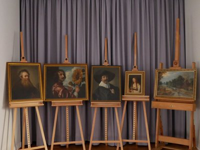 After months of careful negotiations, the mayor of Gotha was able to secure the return of the long-missing paintings.