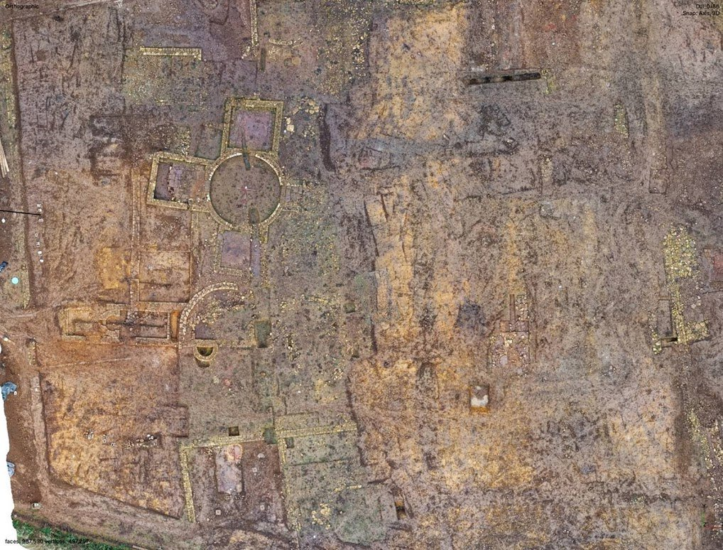 Archaeologists Unearth Sprawling Roman Ruins Unlike Any Found in the U.K.