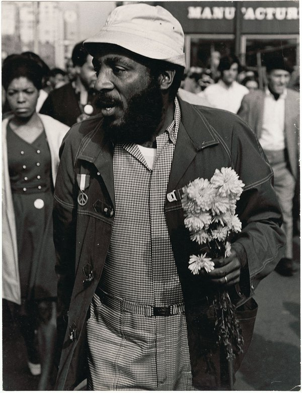 <i>Dick Gregory - 1968 Rally NYC</i>, 1968. Anthony Barboza. Collection of the Smithsonian National Museum of African American History and Culture, © Anthony Barboza.