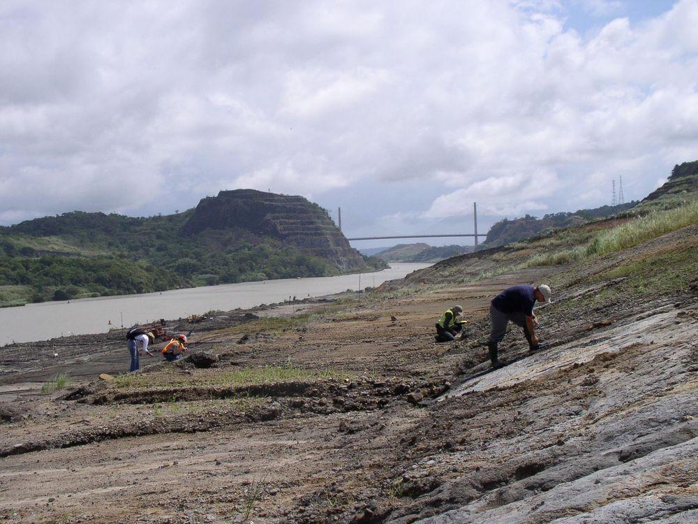 panama-canal-excavations.jpg