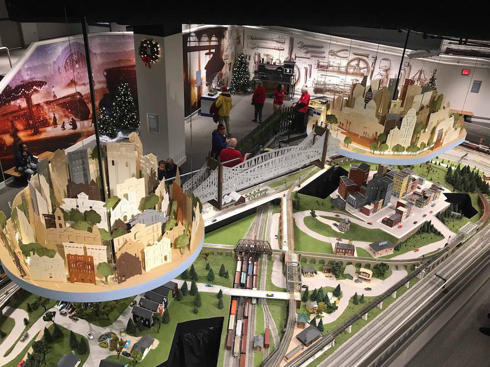 Eight Dazzling Toy Train Displays to Get You in the Holiday Spirit