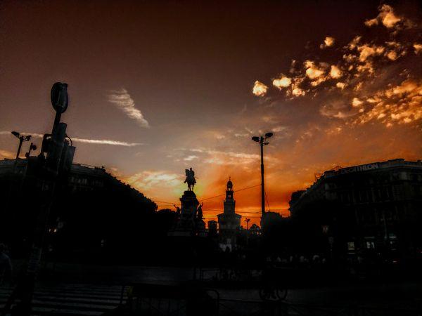 Sunset Tower thumbnail