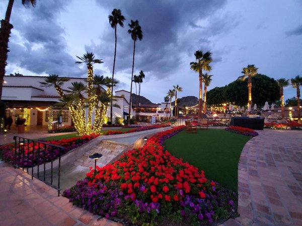 La Quinta Resort at Christmas thumbnail