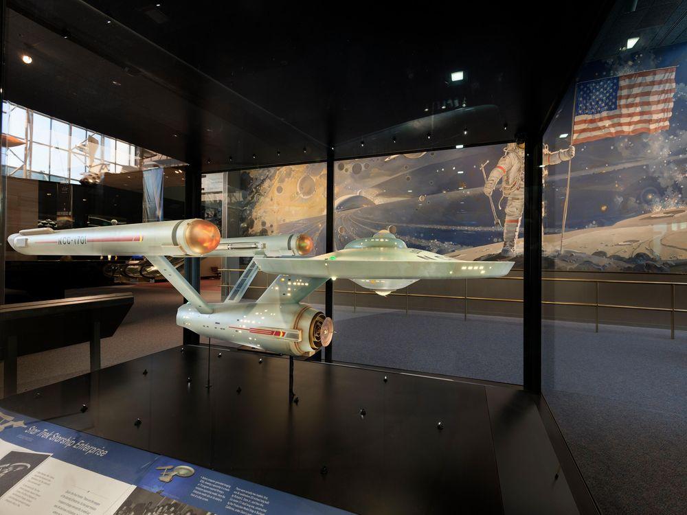 StarshipEnterprise_case (5000x3828).jpg