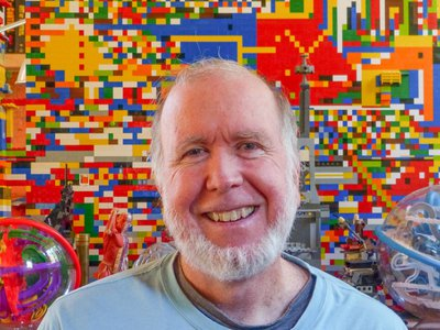 Kevin Kelly unpacks 12 technological forces in his new book.