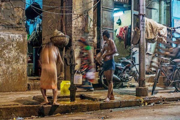 Street Scene – Kolkata thumbnail