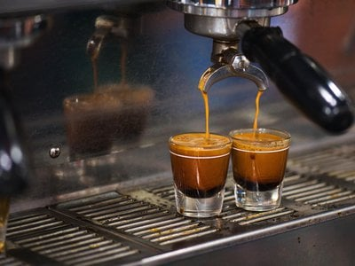 A mathematical model suggests coarser grinds might make for better, more consistent espresso with a lower price tag.