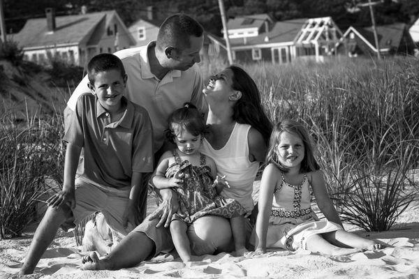 Family Portrait Beach Style  thumbnail