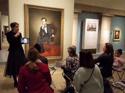 Alba Campo Rosillo giving a gallery talk