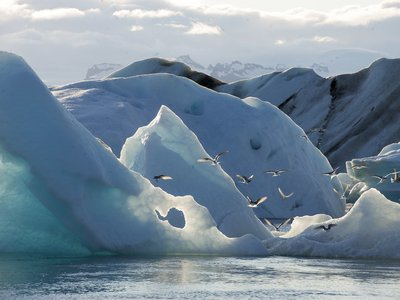 The website identifies Iceland's Jökulsárlón glacial lagoon as one of the world's most relaxing soundscapes.